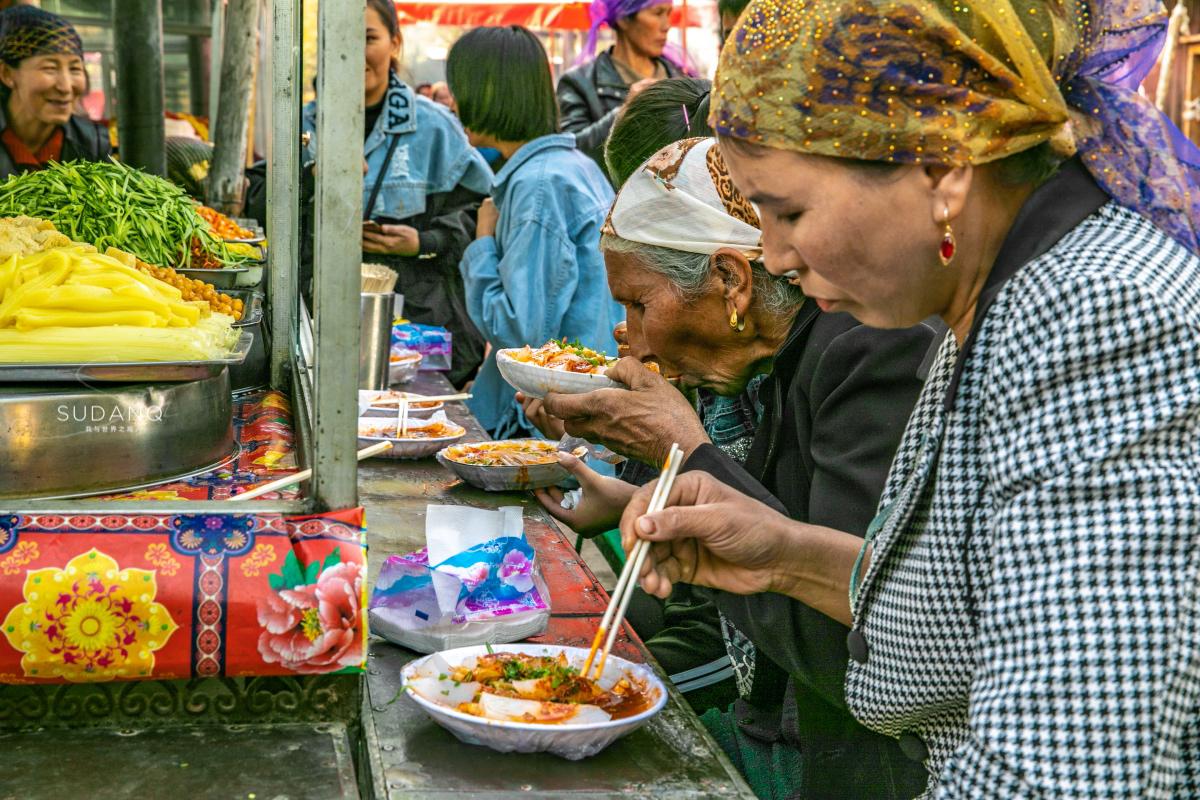 人间风味之新疆大巴扎:南疆最美味小吃都在这里,10块钱吃到撑