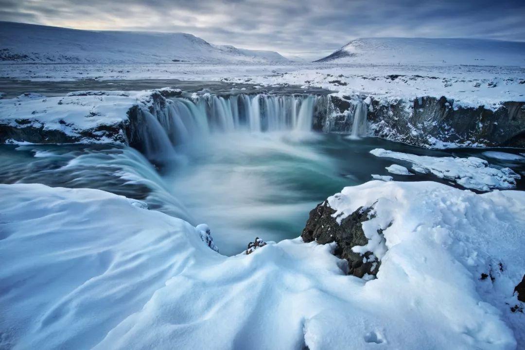 冰岛无尽的瀑布