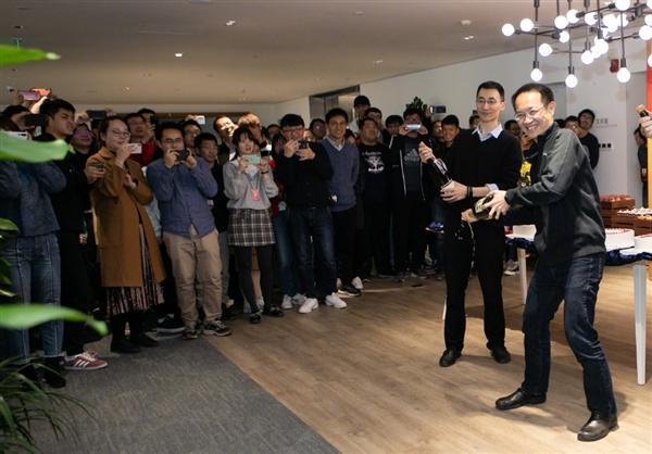 小米CC9 Pro获DxO总分第一 相机部开Party庆祝的照片 - 4