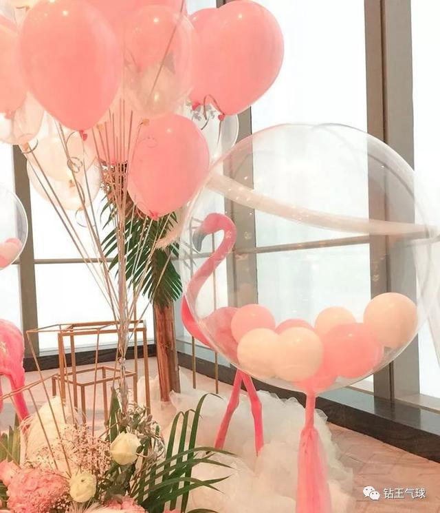 氣球里面放玫瑰花或者亮片等填充物的方法