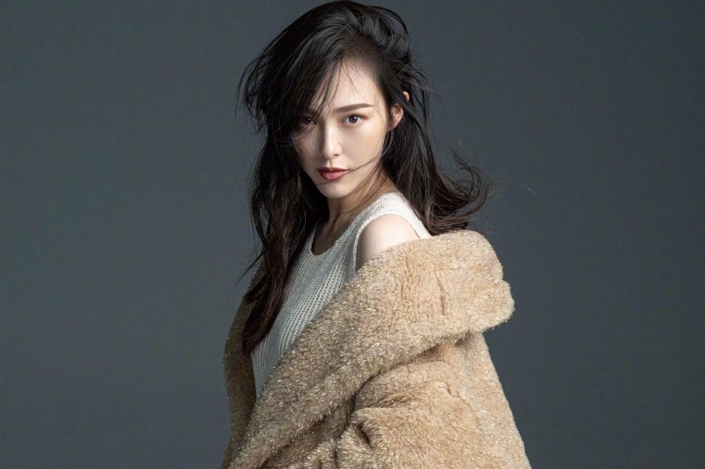 女星孕照写真:唐嫣藏起孕肚,Angelababy最有爱,董璇令人心疼_身材