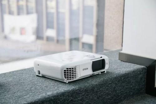 轻松上手享受大屏娱乐,爱普生CH-TW610家庭影院投影机开箱体验