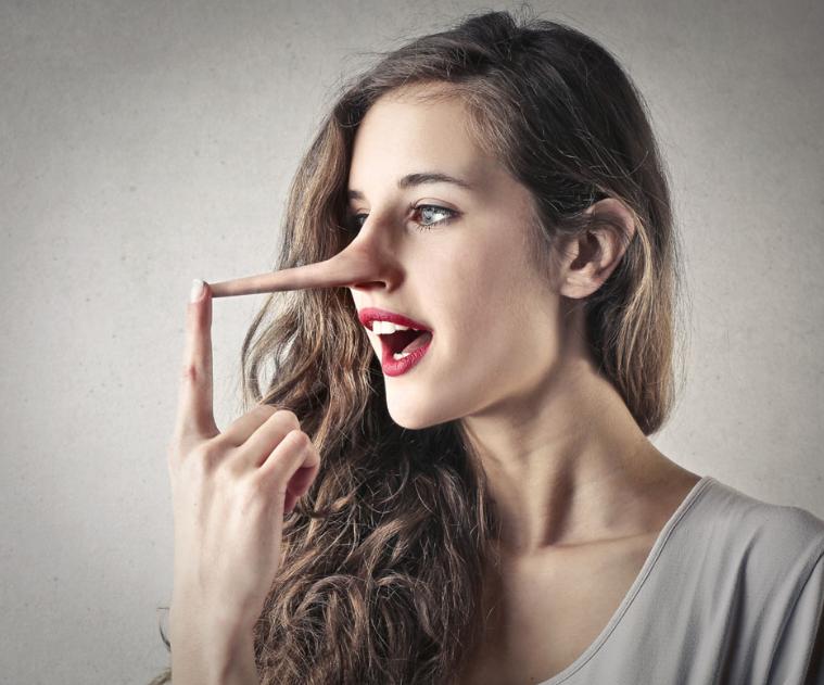 隆鼻疼吗 隆鼻的危害看完以后你还敢去做鼻子吗?