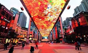 城市灯光秀困境:建筑不是显示屏,不可被过度装扮