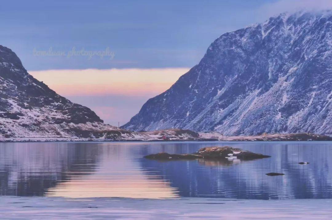挪威特罗姆瑟 粉色的天空