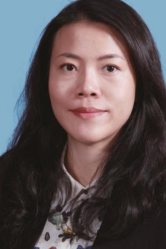 """25歲成為中國首富,38歲身家1269億,女版""""王思聰""""的另類人生"""