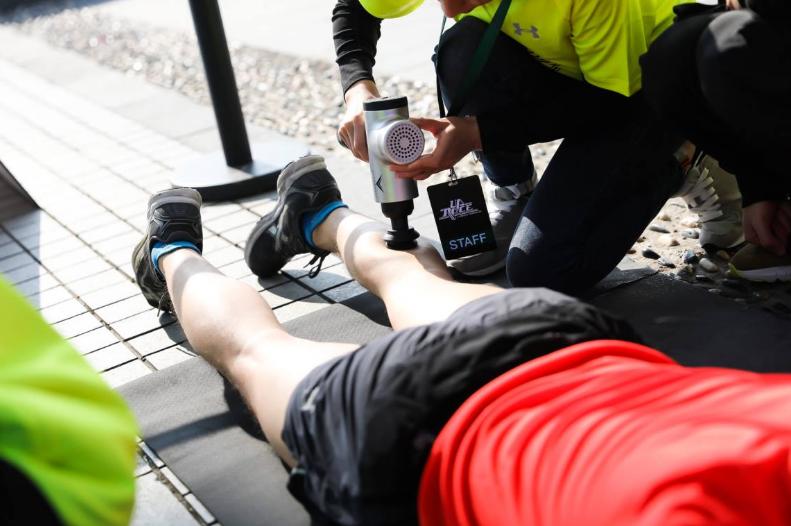 """专业铸就""""变强之路""""2019 UA RACE 10公里竞速跑杭州鸣枪开跑"""