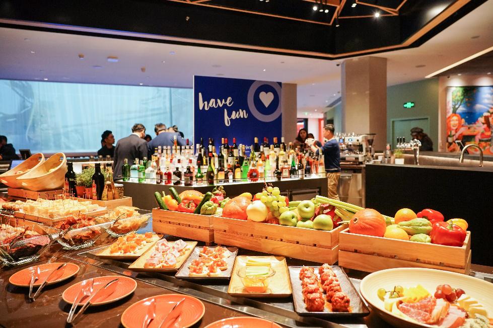 首北兆龙饭店BEI Commune推出加州风味美食及Apericena欢乐时光