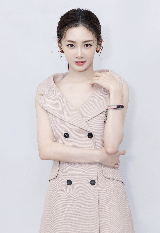 同样是冯小刚电影的女主角,苗苗怎么选择了拍这种电视剧?