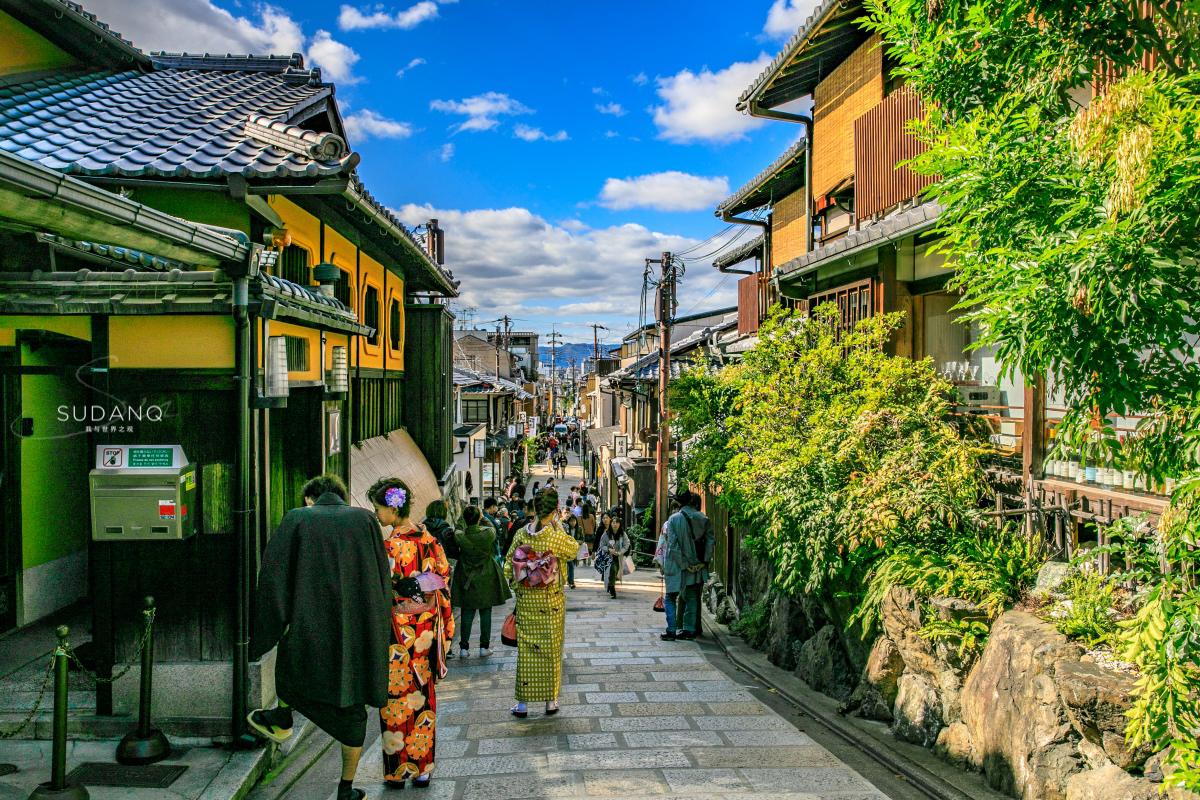 中国人去日本玩,为什么喜欢穿和服?日本人来中国却不穿汉服