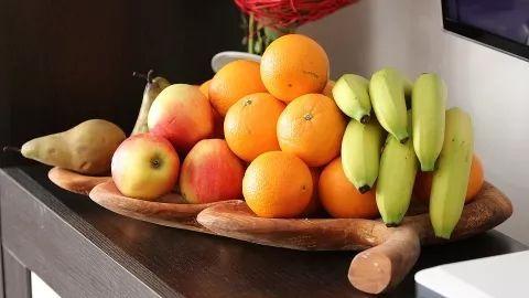 [今年前十个月我国水果进口继续保持稳定增长]