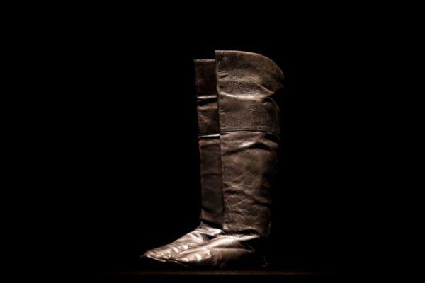 拿破仑靴子拍出11.7万欧元 英媒:拍卖非同寻常