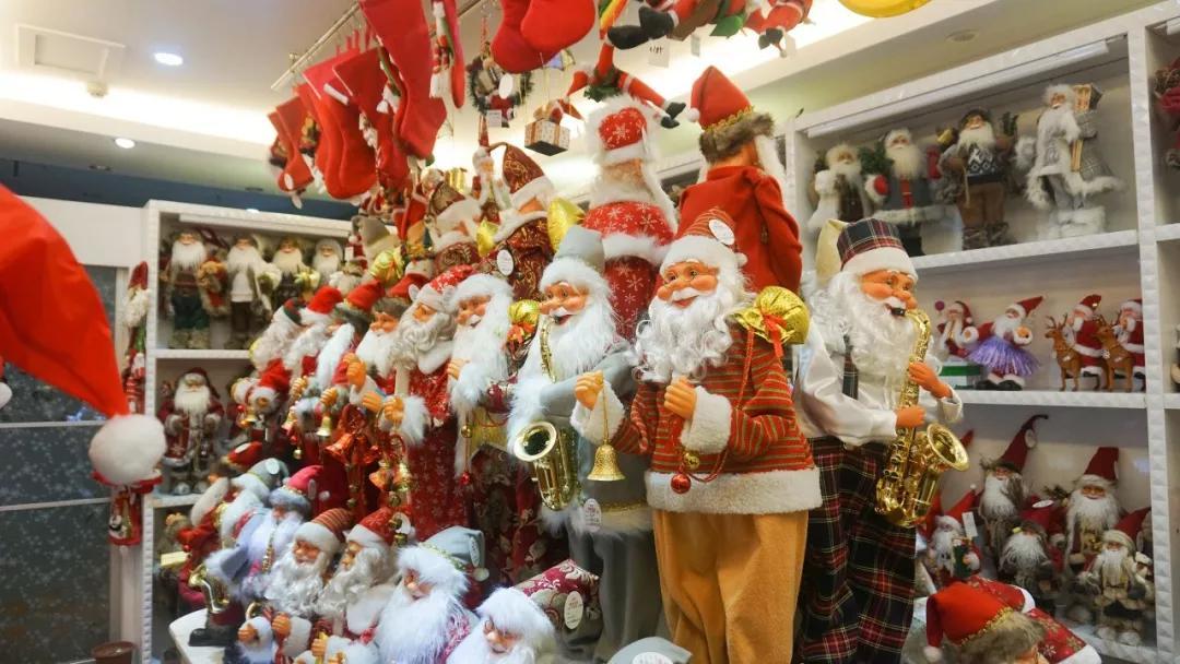 向老外出口圣诞用品,浙江义乌商人年销数千万