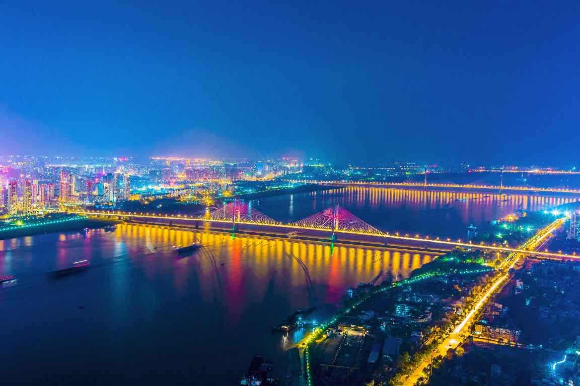 """""""火炉""""城市为什么基本上都在长江沿岸?"""