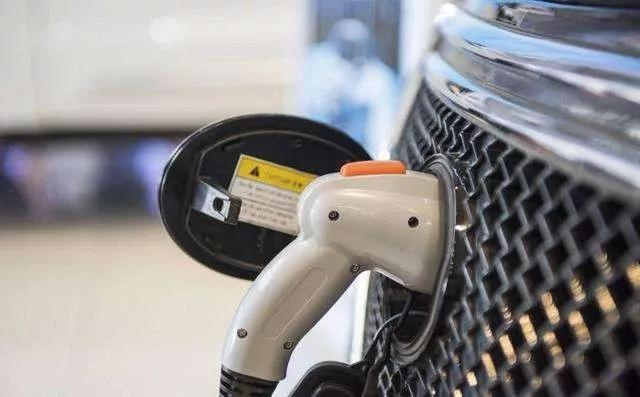 新能源汽車銷量斷崖式下滑 11月下滑43.7%