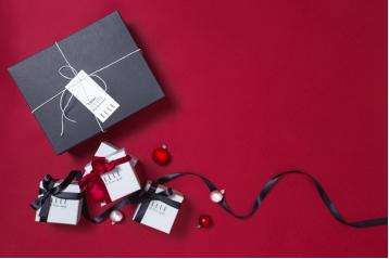 濃情圣誕,ELLE專屬腕表為你定制甜蜜時光