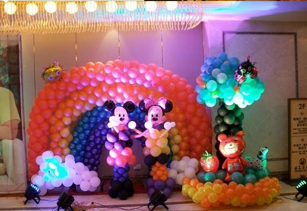 婚禮現場氣球布置效果圖!2020氣球的婚禮現場布置圖片