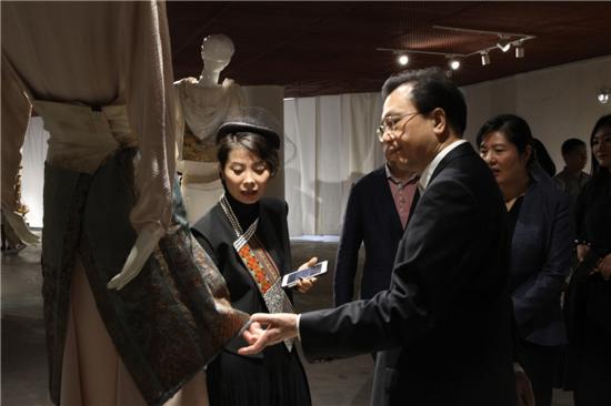 第五屆非遺時尚創意文化節藝之卉新銳美術館盛大啟幕