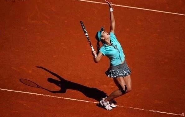 接�法�W�_�m・加洛斯!天�体育助力中国网球迈入红土时代!