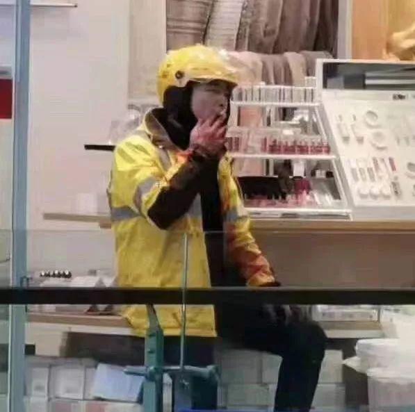 美团外卖回应外卖员杀人事件:因取货问题发生口角的照片 - 2