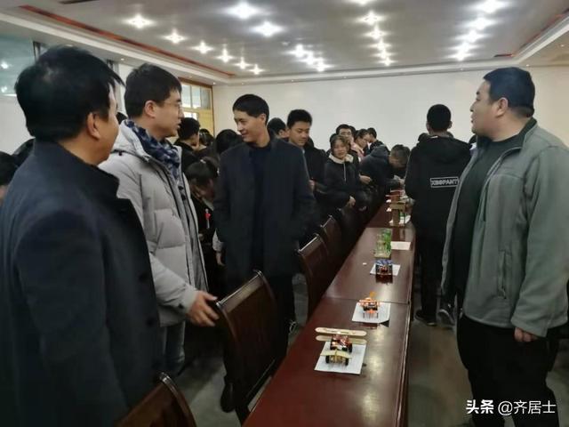 庄浪县紫荆中学举办2019第二届学生科技创新大赛