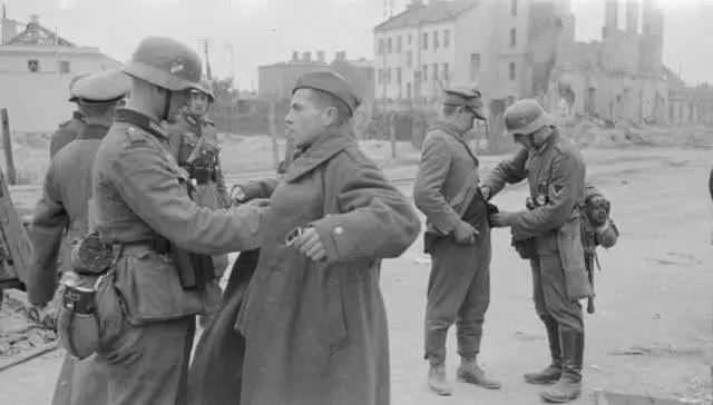波兰发难普京,称苏联是二战发起国,俄:你们常被灭国是有原因的[5P] ..._图1-2
