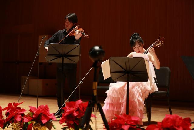 """VR+5G""音乐会:黄蒙拉""古典派对""的最科技演绎"