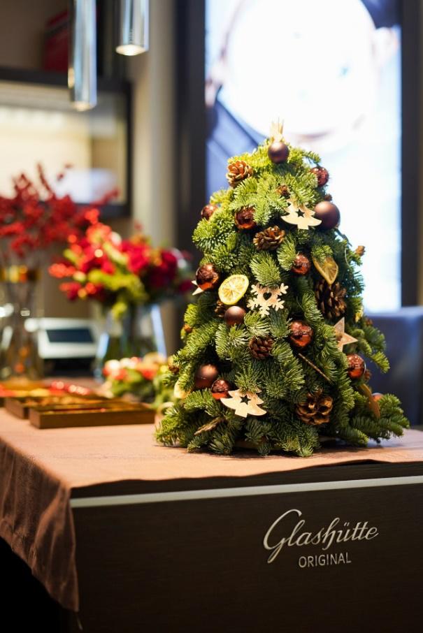 解锁圣诞专属色彩 格拉苏蒂原创VIP工坊开启新年预热