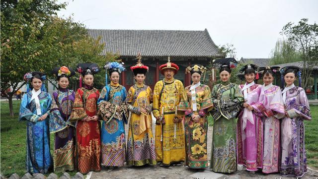 李湘谢娜等十二位主持湖南卫视上位史如《甄嬛传》