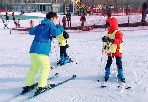 香江�u常�I滑雪嘉年�A