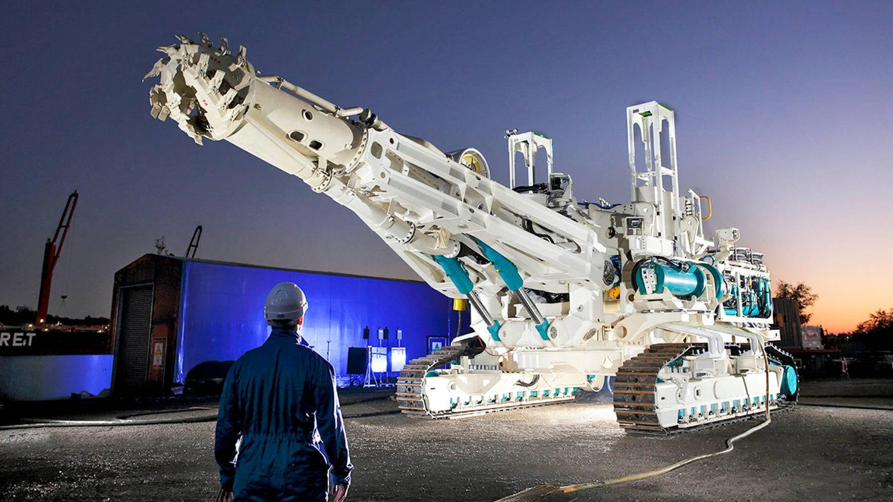 很快,人类就会把挖矿车开进千米深海中了 | 近未来 ㉕