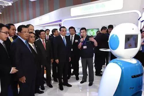 """技能人員水平評價由誰認定?李克強稱這是""""一場革命""""!將影響機器人行業!"""