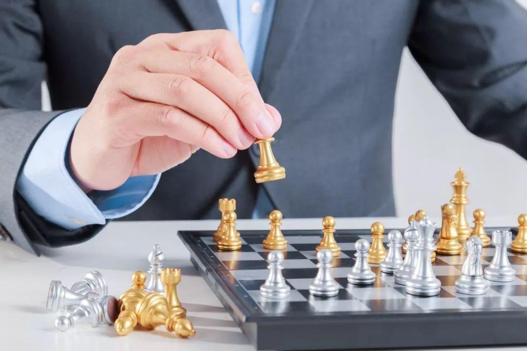 原来这些人都是国际象棋大师啊!