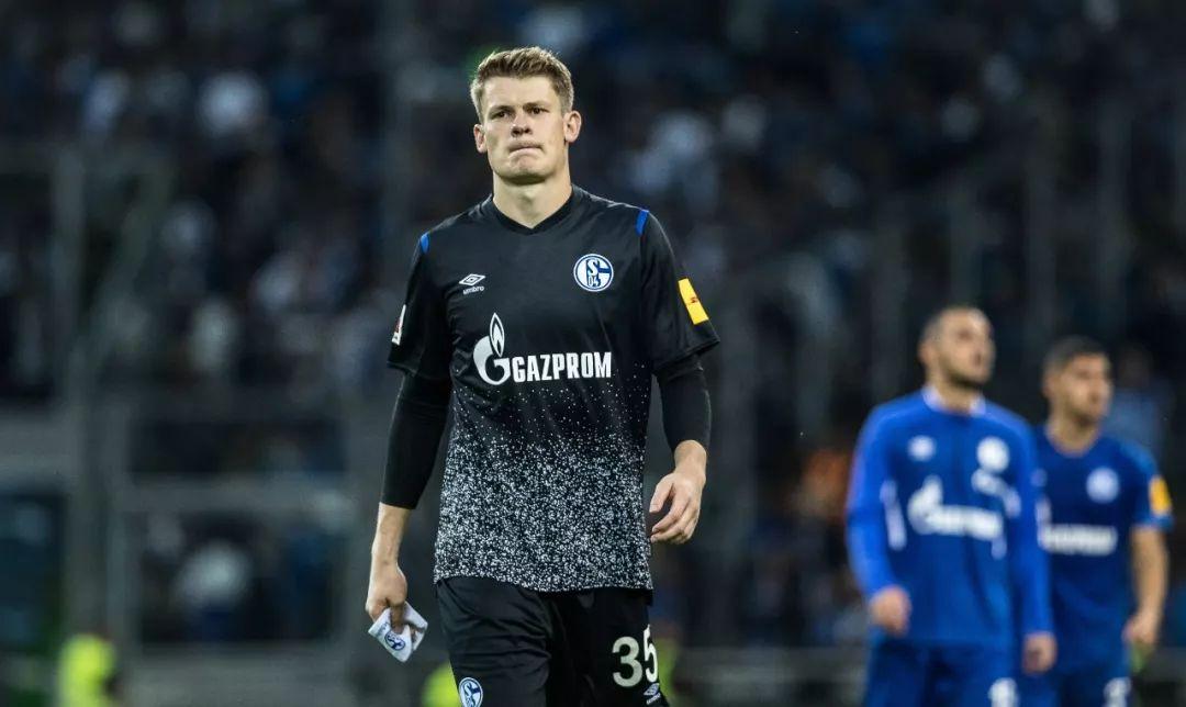 队长袖标_从皇家蓝到拜仁,尼贝尔沿着诺伊尔的足迹迈进_沙尔克