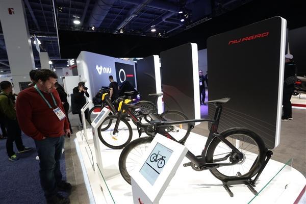 小牛发布全球自动驾驶三轮电动摩托车:支持5G、续航200km的照片 - 23