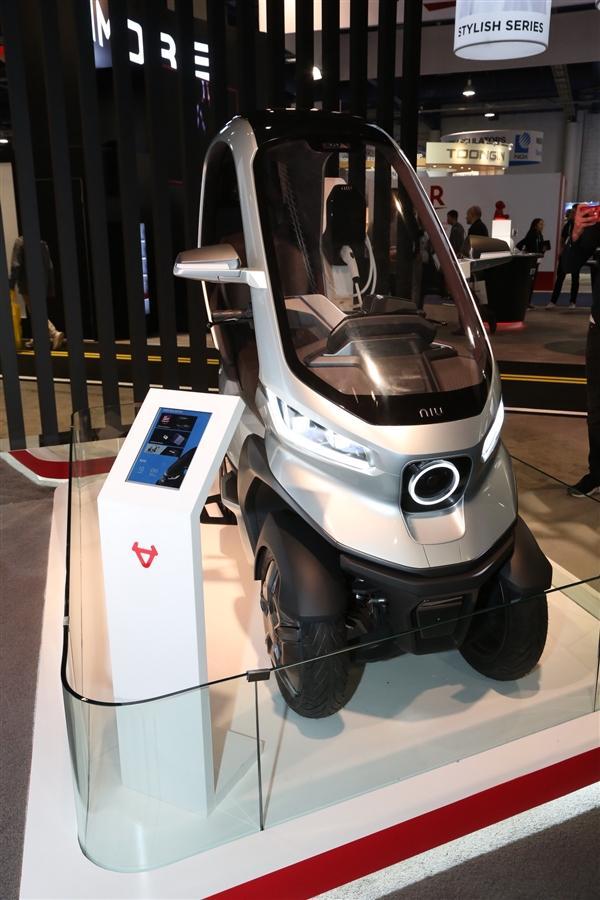小牛发布全球自动驾驶三轮电动摩托车:支持5G、续航200km的照片 - 13