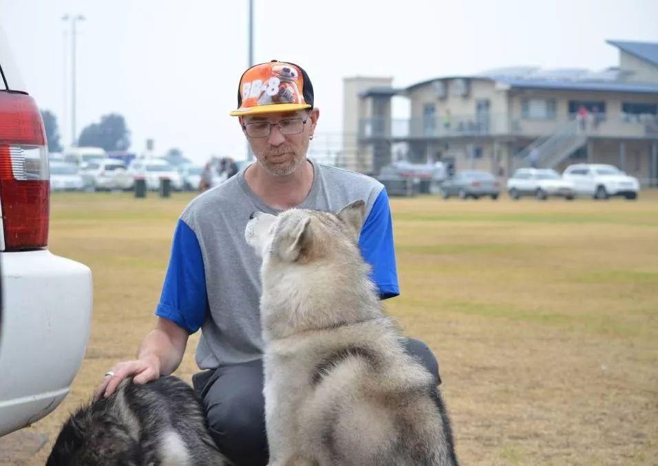 澳洲大火,我唯一带出来的,是我的狗……