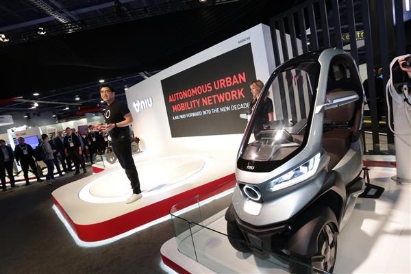 小牛发布全球自动驾驶三轮电动摩托车:支持5G、续航200km的照片 - 14