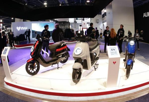 小牛发布全球自动驾驶三轮电动摩托车:支持5G、续航200km的照片 - 26