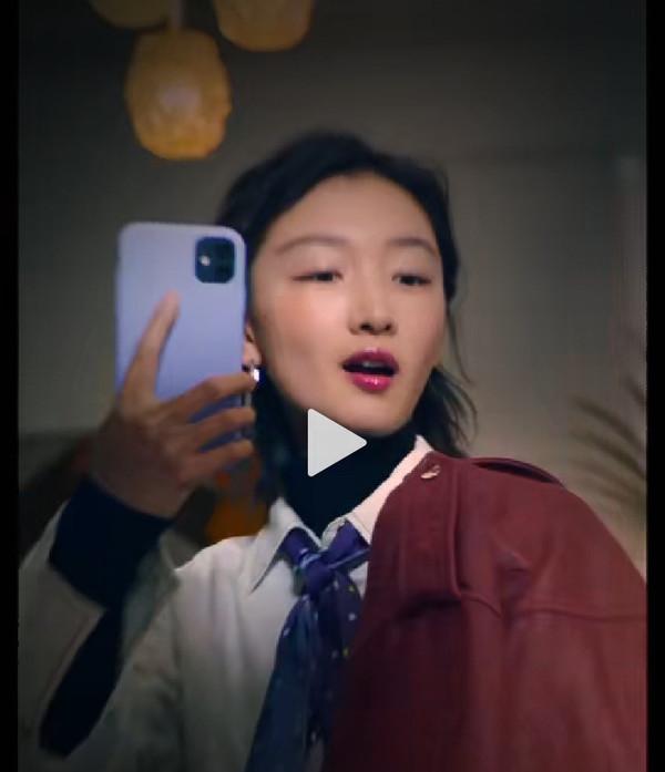 周冬雨提前拿到iPhone 12:窄边框无刘海 网友不淡定的照片 - 3
