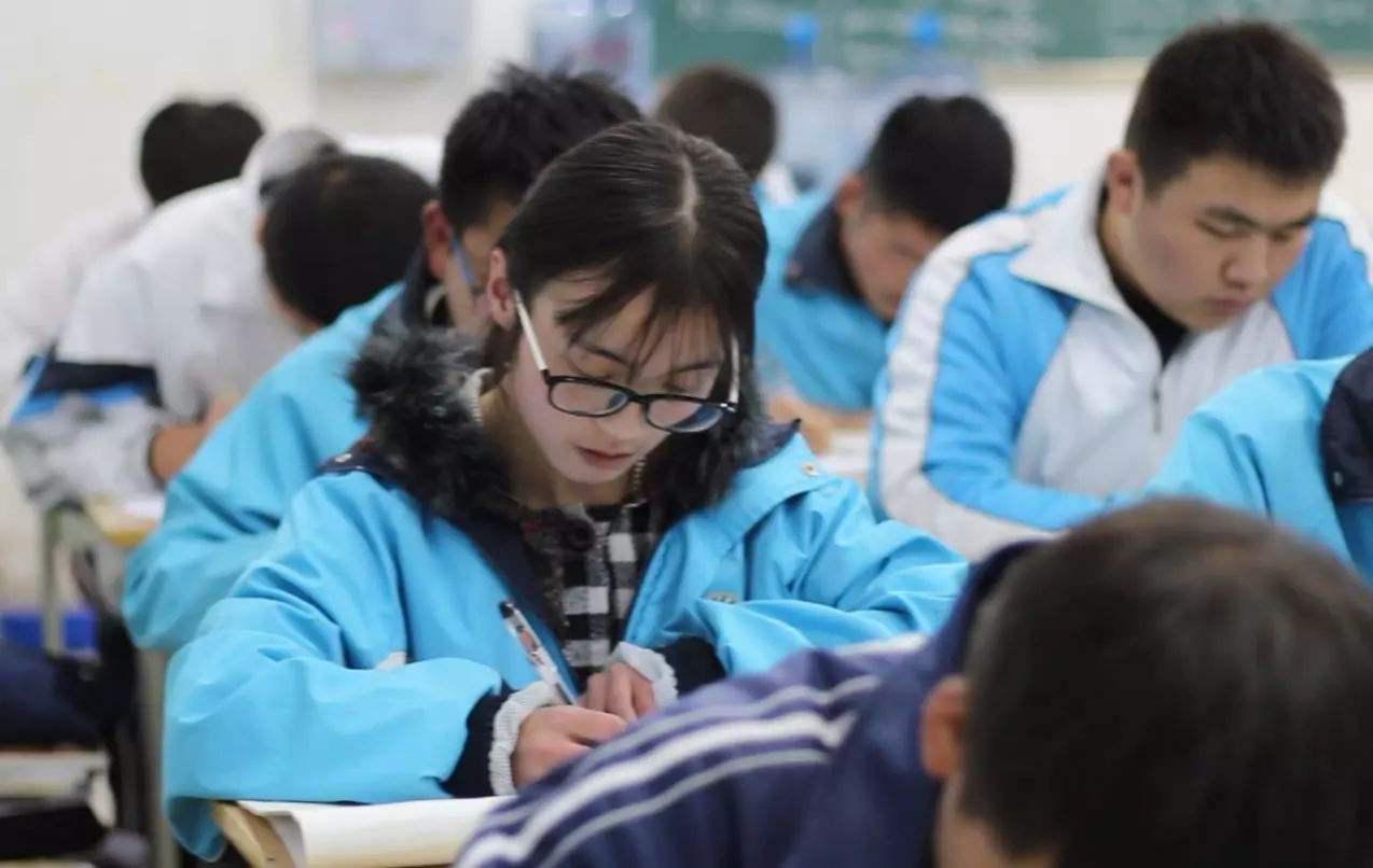 北京聚师网资讯:段子进试卷,趣味教育课堂靠谱吗?-聚师网教育