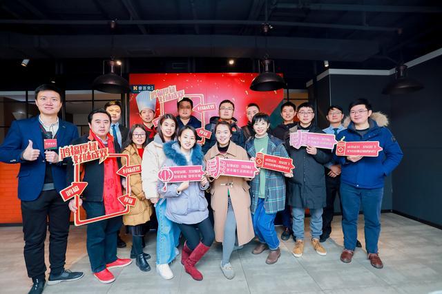 武汉丨这家做了27年的牛排店让牛排传递中国文化
