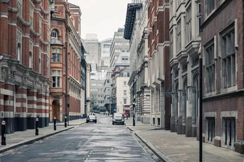 英国房产市场历经疯狂 海外投资者坐不住了