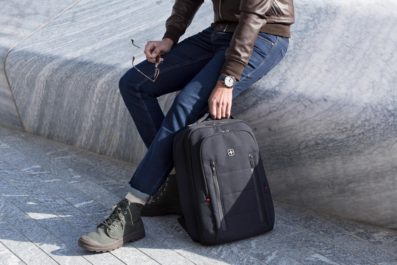 Wenger威戈City Traveler行李箱式设计双肩背包,短途差旅首选