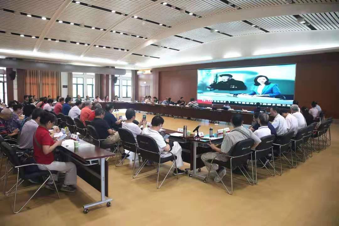 湖北省老年大学体育系党支部牵头举办结业汇报演出 国标人登台亮相成果丰硕