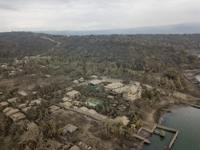 火山喷发后,从火山灰堆里扒出来的村子,惨不忍睹