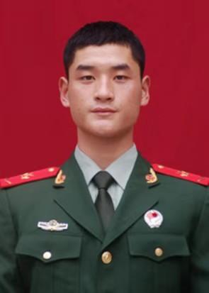 河南正阳傅寨: 退役不退军人本色 张富凯退役不退疫