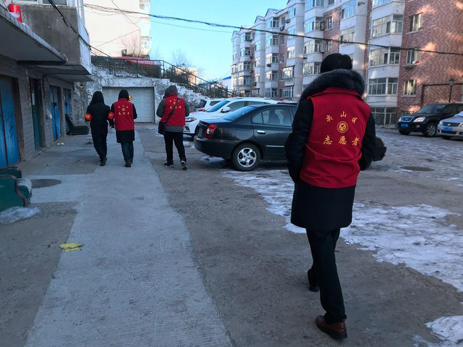 春城社区携手自愿者防控防疫齐努力