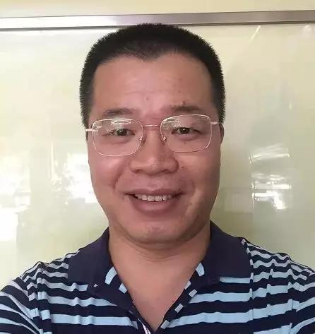 广西南宁市阳光100灯饰广场总经理秦能勇