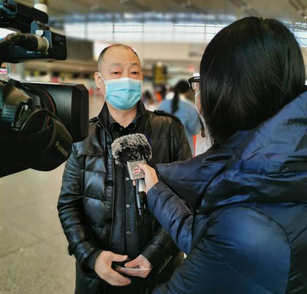 天津濱海大港中醫醫院院長鄧為民帶天津醫療隊赴湖北方艙醫院
